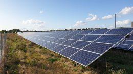 PRESSEMEDDELELSE Nye solcelleprincipper testes paa hidtil stoerste solcellepark