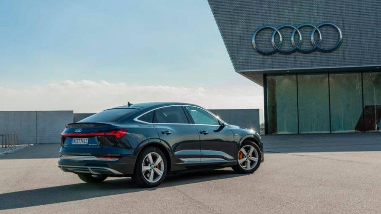 PRESSEMEDDELELSE Audi tilbyder nu 22 kW AC ladning til den 100 procent elektriske Audi e tron