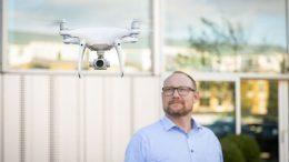PRESSEMEDDELELSE Droner faar fast plads i servicevognen