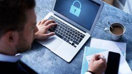 PRESSEMEDDELELSE Ny cyberforsikring skal beskytte flere SMVer mod cyberangreb